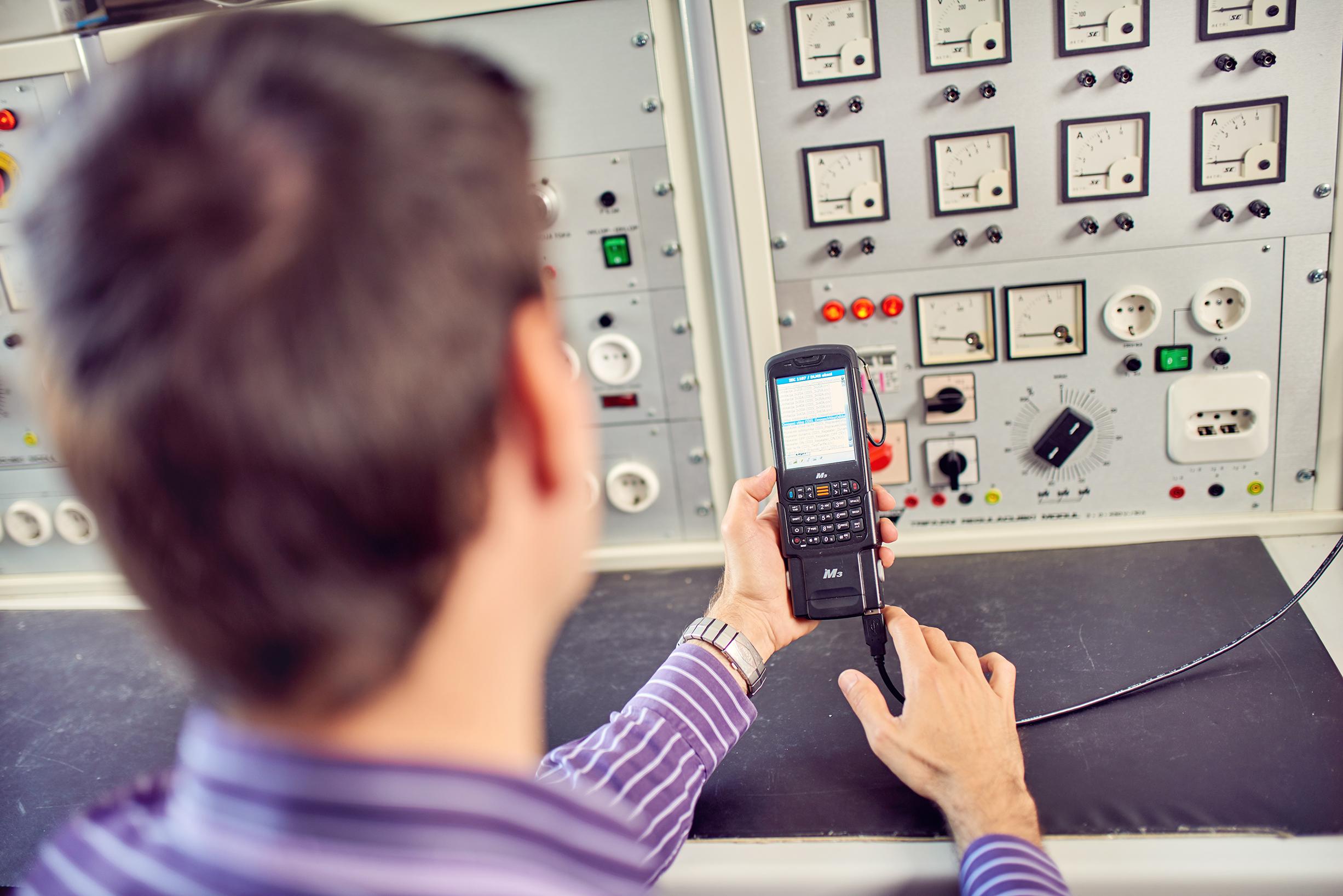 Programi usposabljanja serviserjev opreme